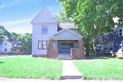 Single Family Home For Sale: 1032 Thomas Street SE