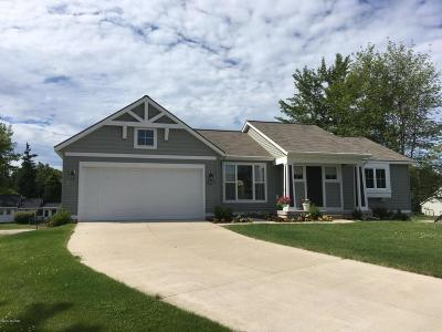 Muskegon Single Family Home For Sale: 839 Ashlee Court