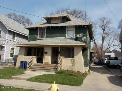 Multi Family Home For Sale: 117 Dickinson Street SW #119