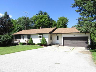 Scottville Single Family Home For Sale: 2657 Us 31
