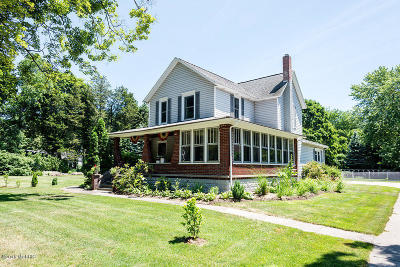 Grand Haven, Spring Lake Single Family Home For Sale: 12478 Lakeshore Drive