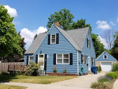 South Haven Single Family Home For Sale: 455 Jones Avenue