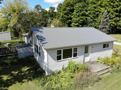 Missaukee County Single Family Home For Sale: 9240 S Young Road