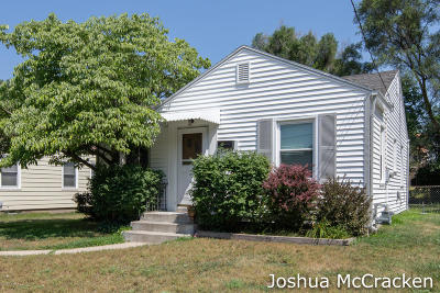 Grand Rapids Single Family Home For Sale: 1061 Evelyn Street NE