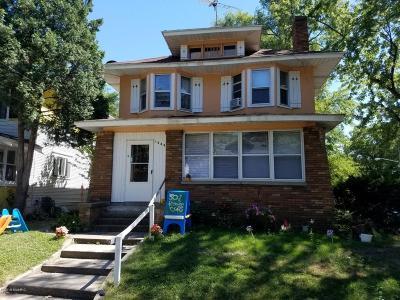 Single Family Home For Sale: 1000 Watkins Street SE
