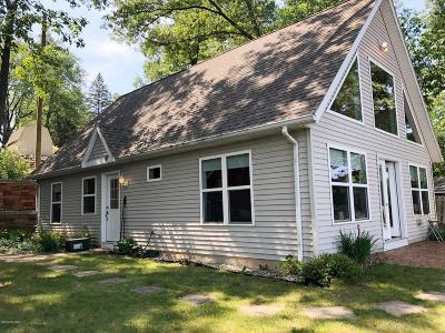 Delton Single Family Home For Sale: 2 Oak Opening Street
