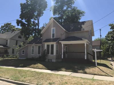 Single Family Home For Sale: 224 Delaware Street SE