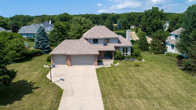 Holland Single Family Home For Sale: 1919 Erin Isle Drive