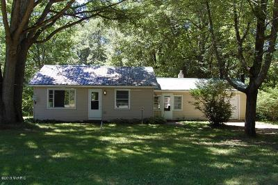 Mecosta MI Single Family Home For Sale: $109,000