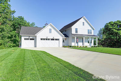 Grand Rapids Single Family Home For Sale: 4655 Stiles Creek Drive