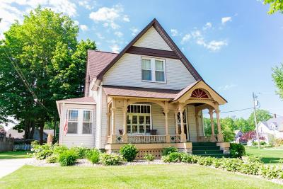 South Haven Single Family Home For Sale: 306 Erie