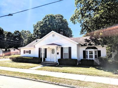 Lowell Single Family Home For Sale: 826 E Main Street