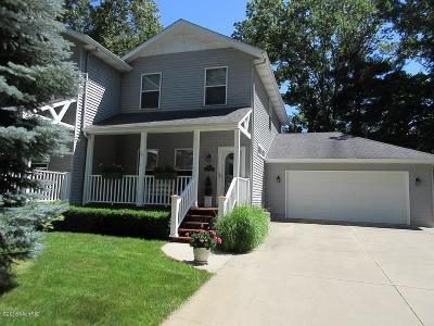 Saugatuck, Douglas Condo/Townhouse For Sale: 995 Maple Woods Drive