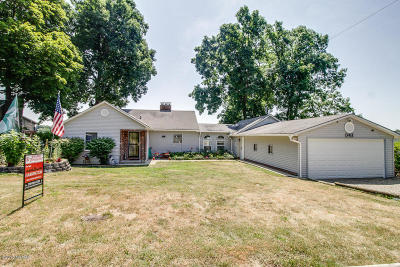 Battle Creek Single Family Home For Sale: 3411 W Shore Drive
