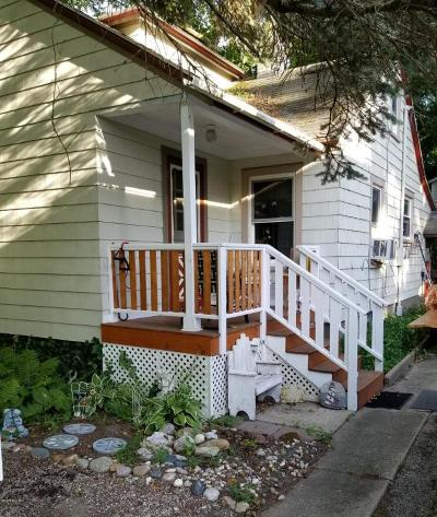 South Haven Single Family Home For Sale: 726 Lee Street