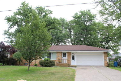 Holland Single Family Home For Sale: 2736 112th Avenue