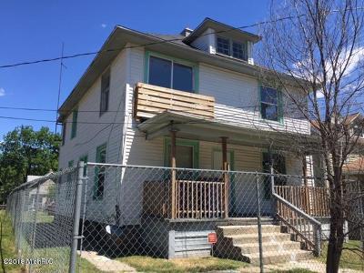 Multi Family Home For Sale: 911 Humbolt Street SE
