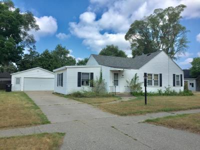 Wyoming MI Single Family Home For Sale: $127,900