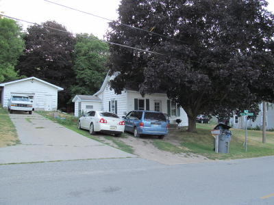Shelby MI Single Family Home For Sale: $54,900