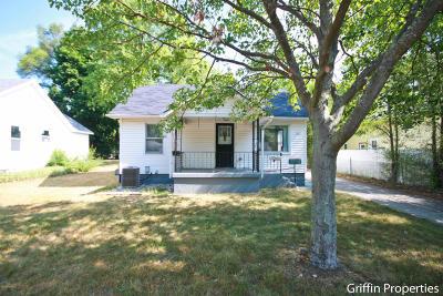 Single Family Home For Sale: 1331 Walnut Street NE