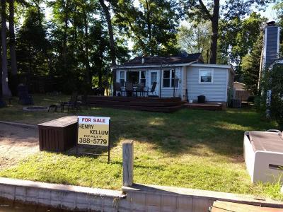 Van Buren County Single Family Home For Sale: 34471 Edgewater Drive
