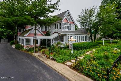 Van Buren County Single Family Home For Sale: 140 N North Shore Drive