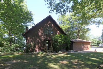 Plainwell Single Family Home For Sale: 12222 Gilmore Point