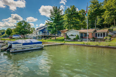 Single Family Home For Sale: 14948 Lakeshore Drive