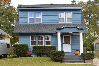 Kent County Single Family Home For Sale: 1534 Escott Avenue NW