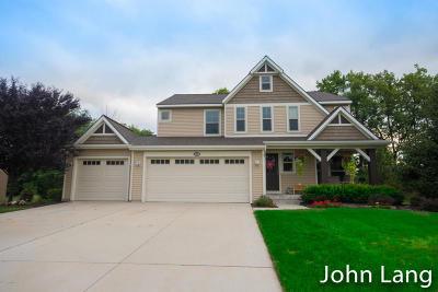 Single Family Home For Sale: 3655 Bridgehampton Drive NE #61