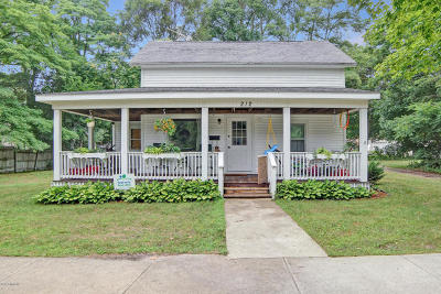 Whitehall, Montague Single Family Home For Sale: 212 E Sophia Street