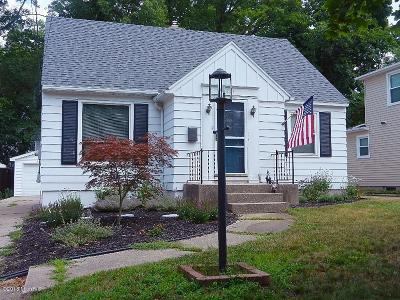 Single Family Home For Sale: 825 Walsh Street SE