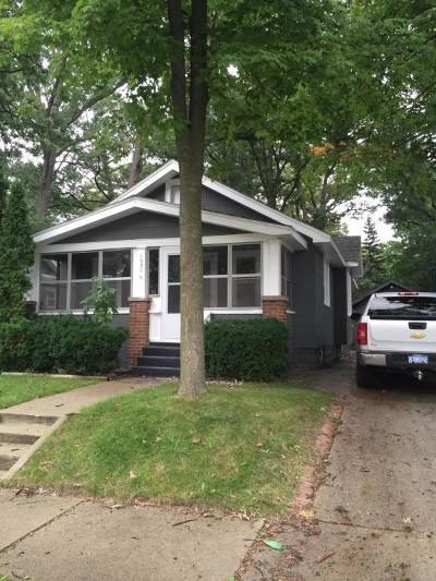 Single Family Home For Sale: 1930 Newark Avenue SE
