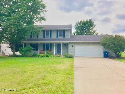 Jenison Single Family Home For Sale: 7647 Golfview Court SW