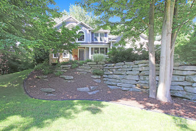 Spring Lake Single Family Home For Sale: 18047 Hammond Bay Drive