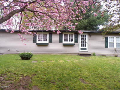 Paw Paw Single Family Home For Sale: 614 Ridge Road Road