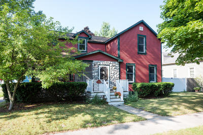 Grand Haven Single Family Home For Sale: 732 Clinton Avenue