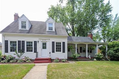 St. Joseph Single Family Home For Sale: 1212 Hillcrest Avenue