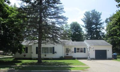 Coldwater Single Family Home For Sale: 105 W Clarke Avenue