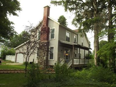 Dowagiac Single Family Home For Sale: 410 W High Street