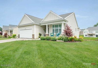 Grand Haven, Spring Lake Condo/Townhouse For Sale: 12565 Retreat Drive