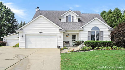 Hudsonville Single Family Home For Sale: 3266 Rollingview Court