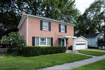 Parchment Multi Family Home For Sale: 427 N Riverview Drive
