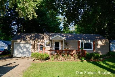 Wayland Single Family Home For Sale: 414 Park Street