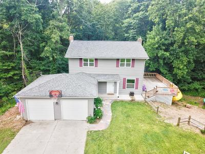 Single Family Home For Sale: 9981 Bend Drive