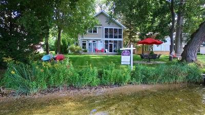 Hickory Corners Single Family Home For Sale: 3378 Oak Dale Avenue