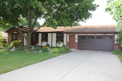 Single Family Home For Sale: 2419 Basswood Street