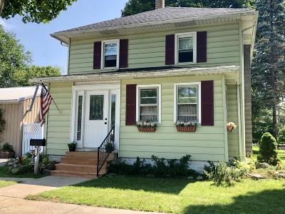 Three Rivers Single Family Home For Sale: 516 Spring Street