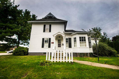 St. Joseph Single Family Home For Sale: 2400 Niles Avenue