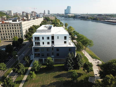 Grand Rapids Condo/Townhouse For Sale: 1001 Monroe Avenue NW #208